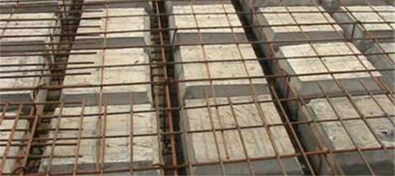 第二:薄壁箱体的使用可以减轻结构自重